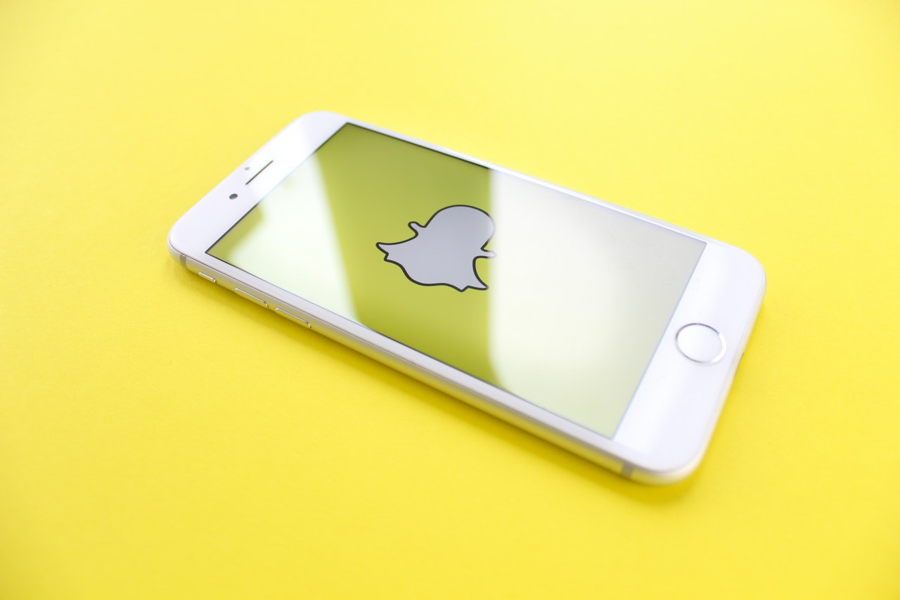 Application Snapchat, Réseau social