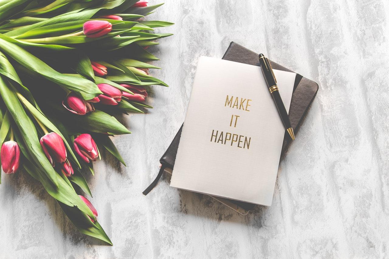Invitation, carte avec bouquet de tulipe